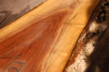 Load image into Gallery viewer, Walnut Slab #10504