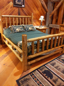 Briar Hill Traditional Queen Bed