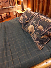 Load image into Gallery viewer, Bear Quilt and Pillow Covering Set