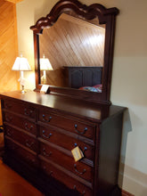 Load image into Gallery viewer, Turendo Maple Dresser set