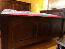 Load image into Gallery viewer, Woodbury Cherry Queen Bed