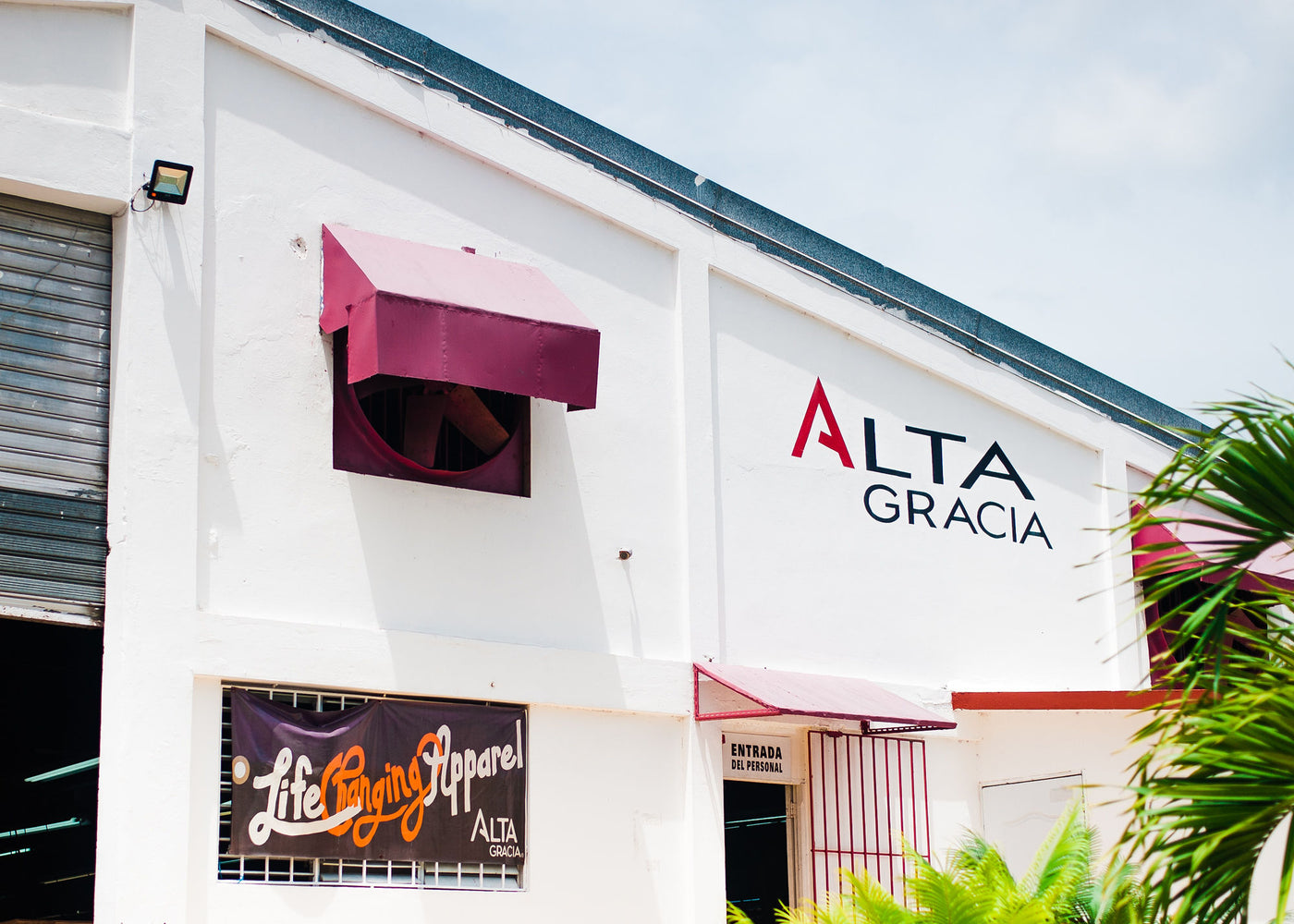 At Alta Gracia, we make clothes the right way in our sweatshop-free, Dominican Republic factory.