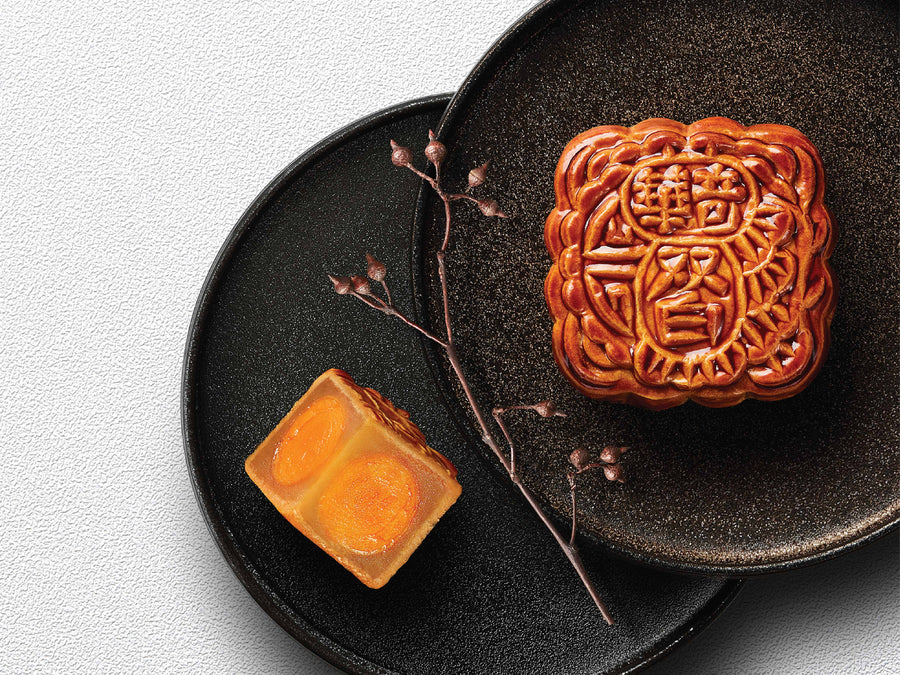 White Lotus Seed Paste Mooncakes w/ 2yolks 雙黃純白蓮蓉月