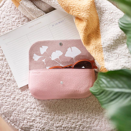Sunglass case, Sunny Greetings, Soft Pink