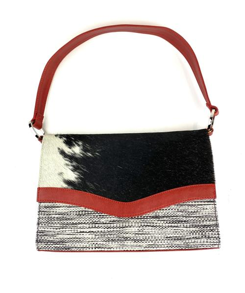 Kuskaya. Black and White Handbag with Red Strip. Lima, Peru.