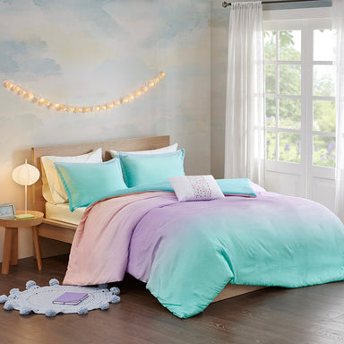Glimmer Metallic Glitter Printed Reversible Duvet Cover Set.