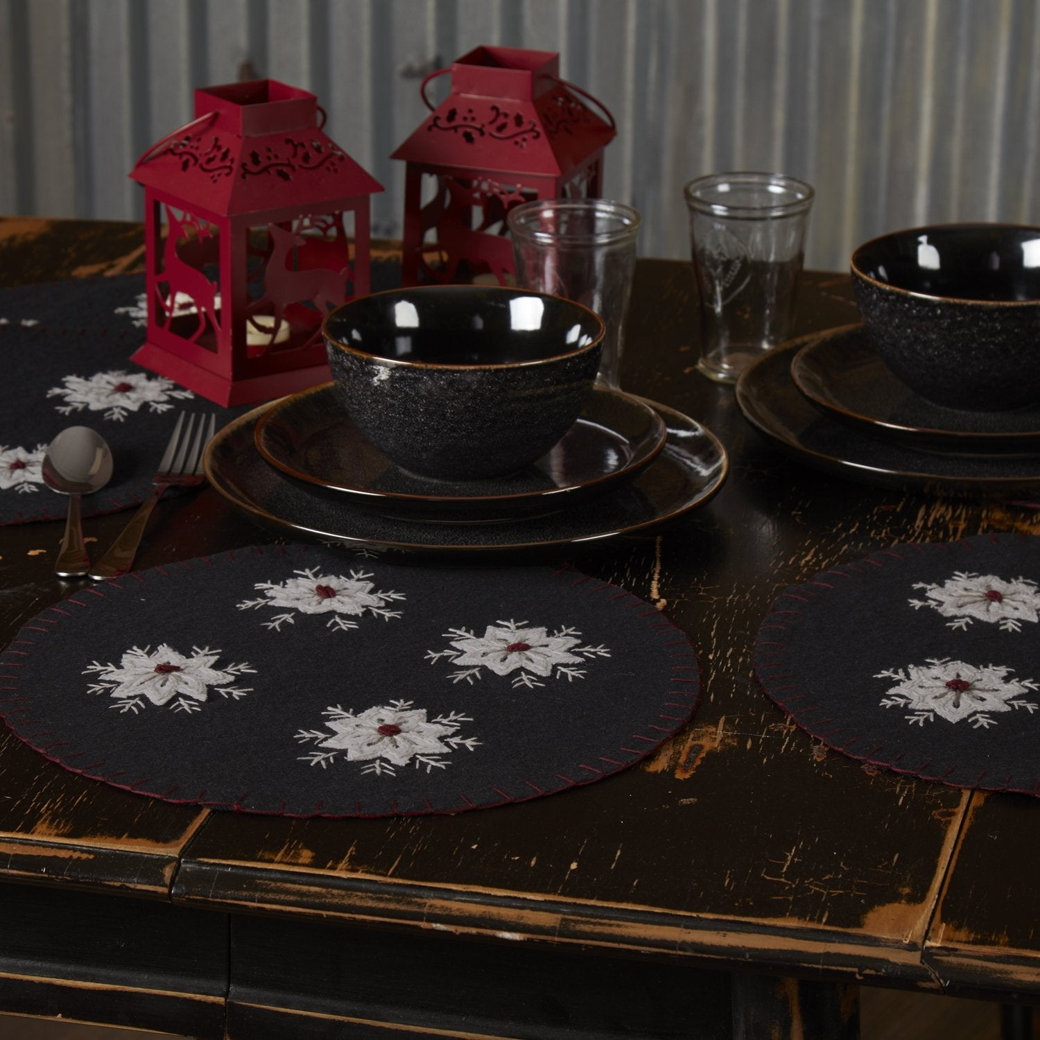 Christmas Snowflake Tablemat Felt Embroidered Set of 6.
