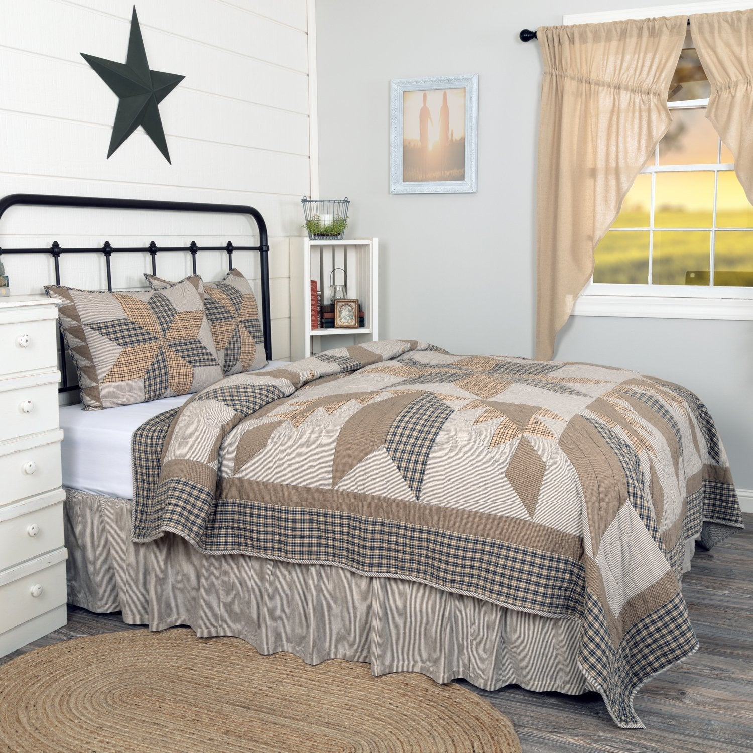 Dakota Star Farmhouse Blue Quilt Set.