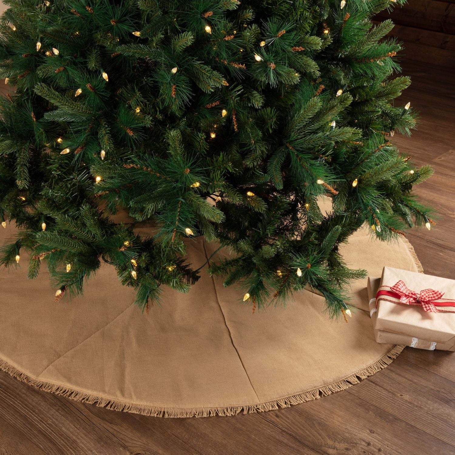 Festive Natural Burlap Tree Skirt.