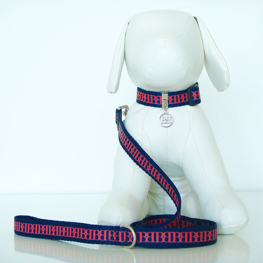 Wagberry Self Collar