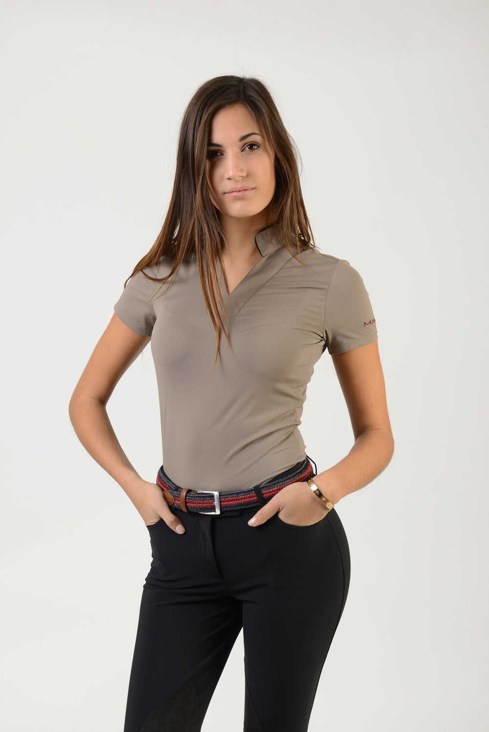 Ladies short sleeve polo shirt | lady short sleeve polo shirt | cotton | short sleeves polo shirt | short sleeves shirt | model ATENA | short sleeves riding polo | lady polo | lady riding shirt | riding shirt | ladies riding shirt | comfort of movement | Makebe | clothing | equestrian | riding | technical material | made in Italy | elegance | beige |