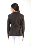 Lady horse riding jacket | model CINDY | tech fabric | technical materials | technical fabric | riding | equestrian | Makebe | Made in Italy | clothing | jacket | riding jacket | free movememt system | comfort | comfort of movements | elastic materials | riding elastic jacket | elegance | brown |