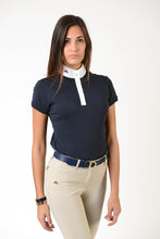 Laden Sie das Bild in den Galerie-Viewer, Ladies polo shirt | lady polo shirt | cotton | polo shirt | shirt | model CAROLINE | riding polo | lady polo | lady riding shirt | riding shirt | ladies riding shirt | comfort of movement | Makebe | clothing | equestrian | riding | technical material | made in Italy | elegance | blue |