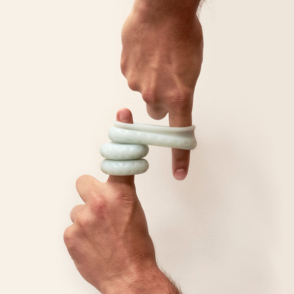 The Ohnut is a stretchy wearable is made from 4 rings that can be linked together or worn individually to control penetration depth and help relieve pain during sex.