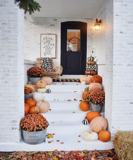 10 Best Fall Front Porches on Pinterest