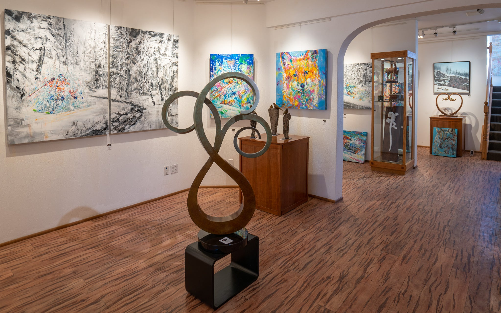 Raitman Art Galleries Breckenridge, Colorado. Featuring Original Paintings and Sculptures by David V. Gonzales, Maxine Bone, Gilberto Romero, and Ellen Woodbury