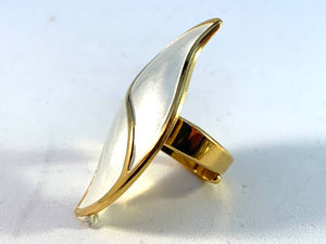 Synnøve Korssjøen, for David Andersen, Norway. Bold Vintage Sterling Silver White Enamel Adjustable Size Ring.