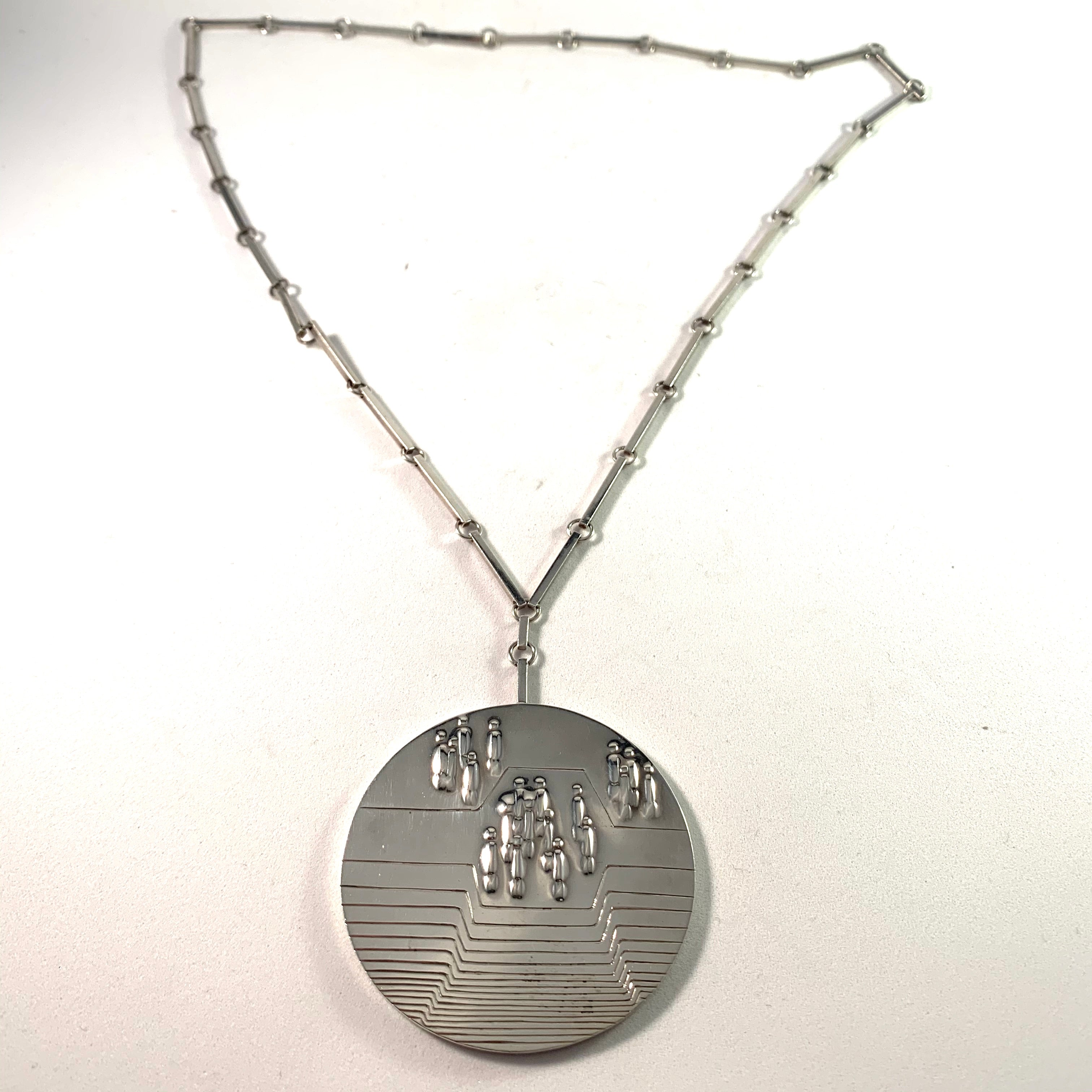 Lars-Kaj Rinman, Sweden year 1976 Large Sterling Silver Necklace. Signed