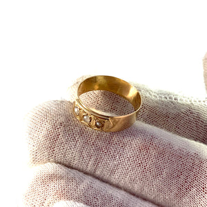 B Erlandson, Sweden year 1893, Victorian 18k Gold Seed Pearl Unisex Ring Band.
