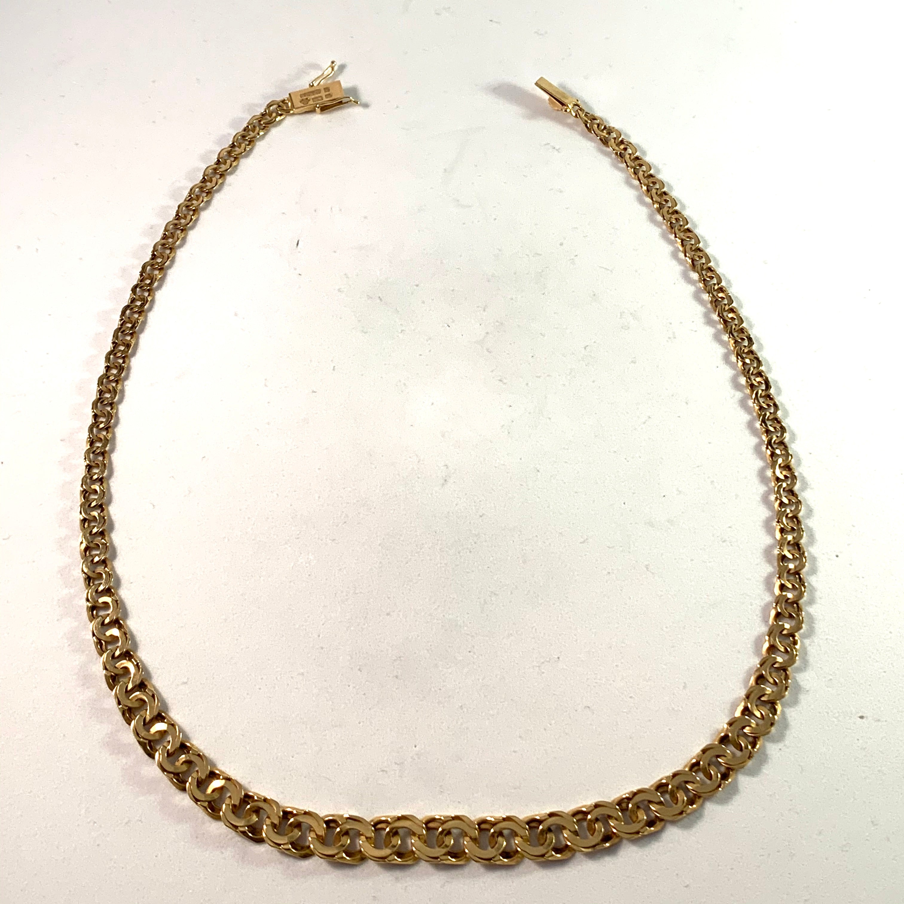 G Dahlgren, Sweden year 1964, 18k Gold Bismarck Necklace.