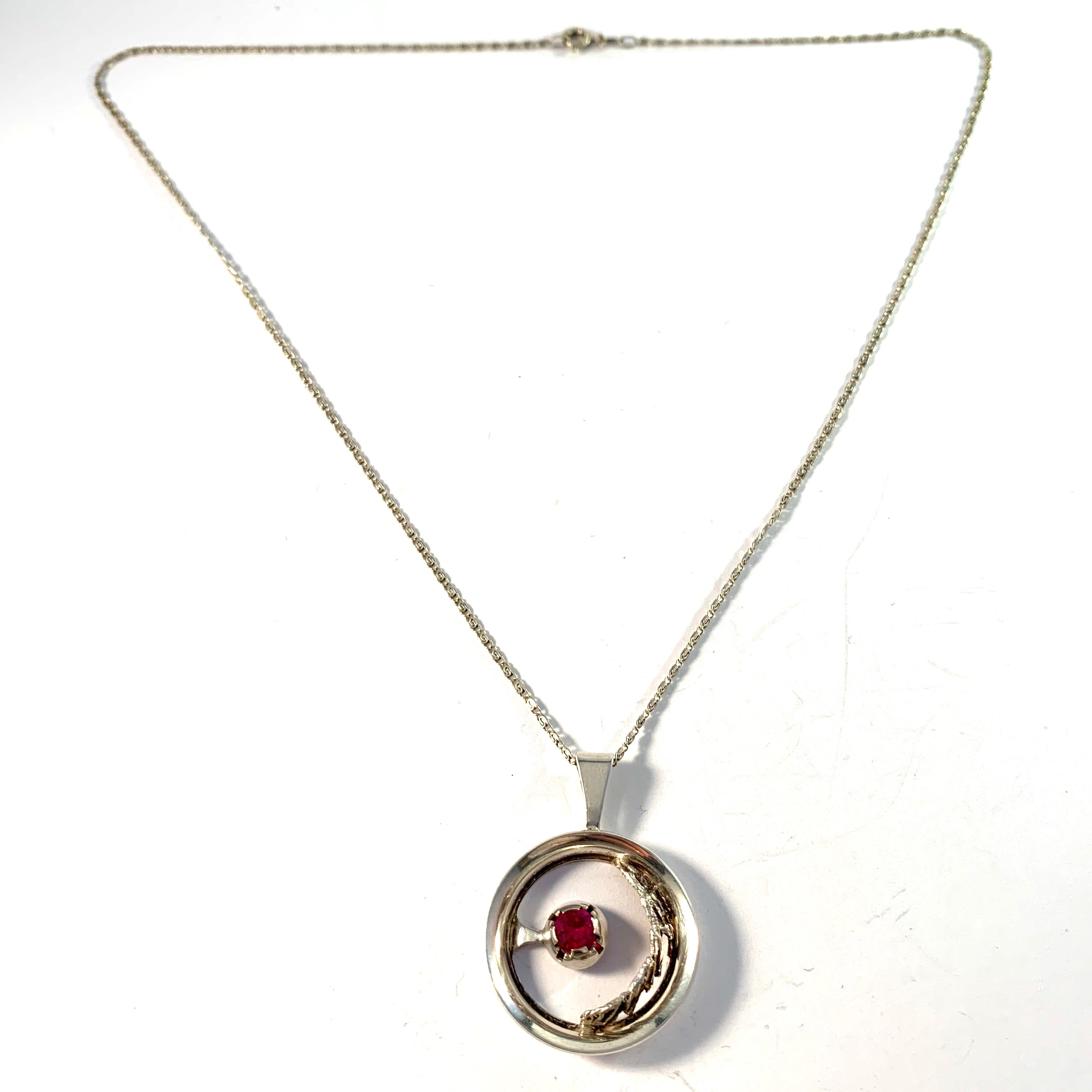 Martti Viikinniemi (1946-74) Finland Solid Silver Pink Stone Pendant Necklace.