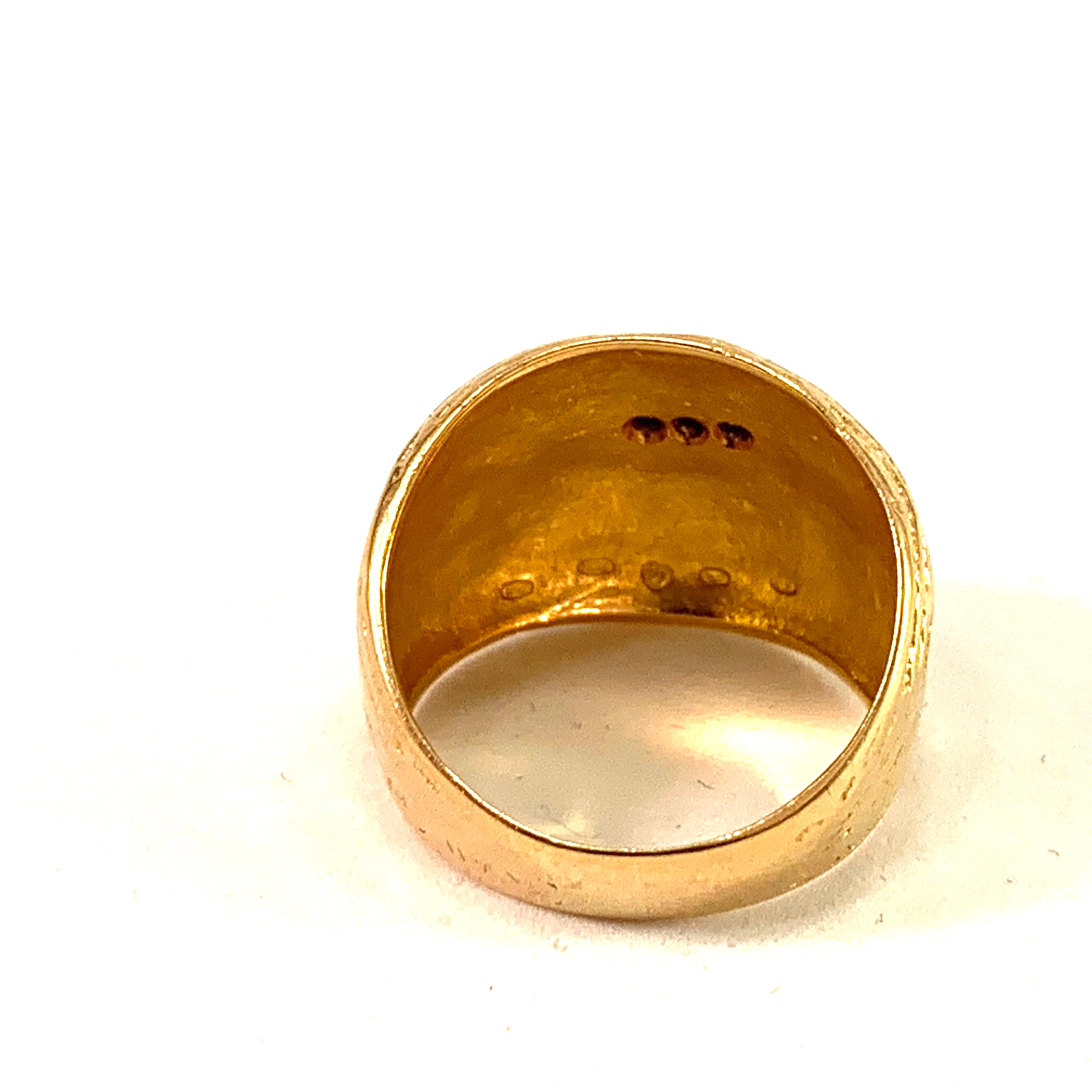 Westerback, Finland 1972 Bold 18k Gold Diamond Dome Ring.