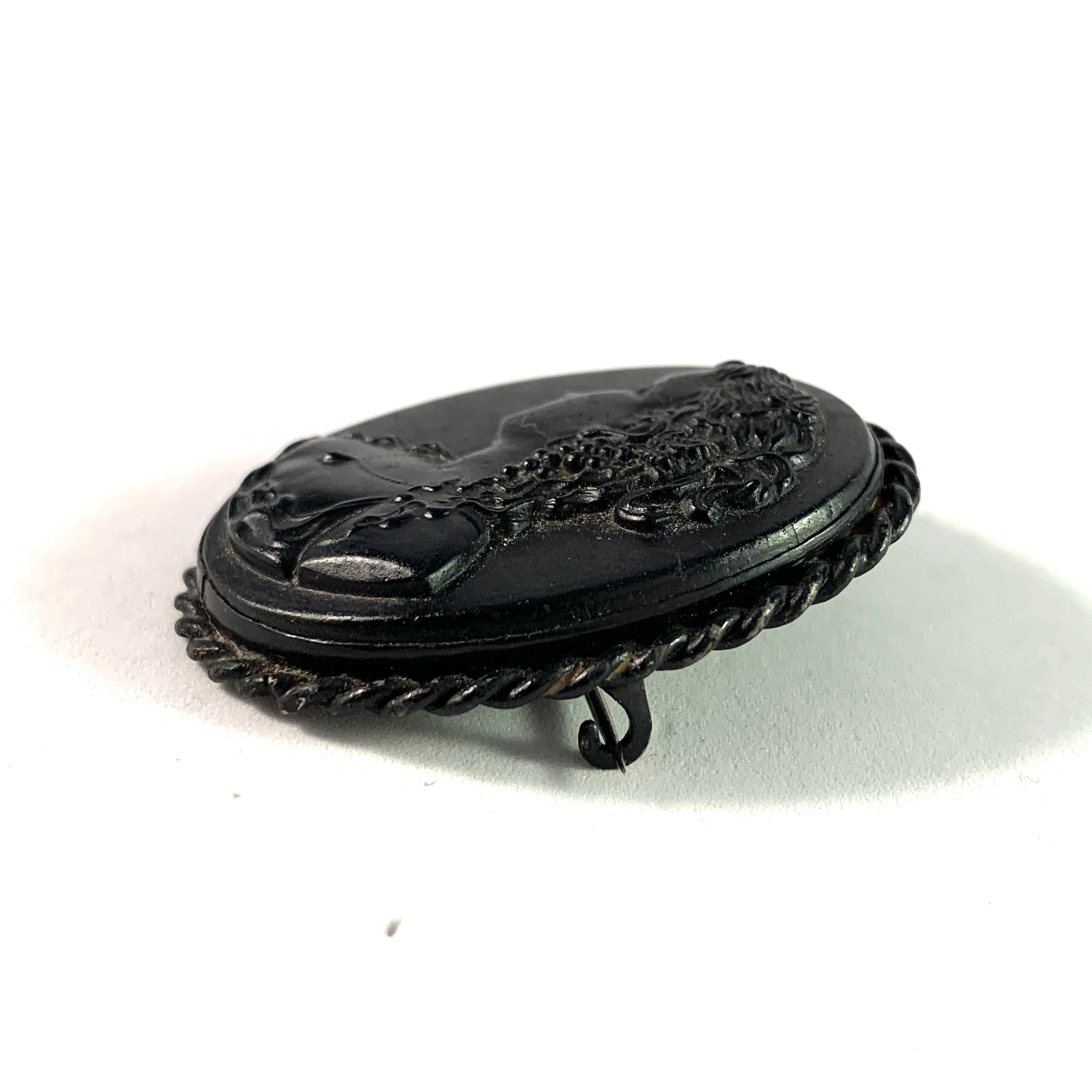 Victorian Antique Jet Cameo Mourning Brooch.