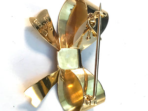 Wilhelm Harbeck, Sweden year 1945 End of the War 18k Bowknot Brooch.