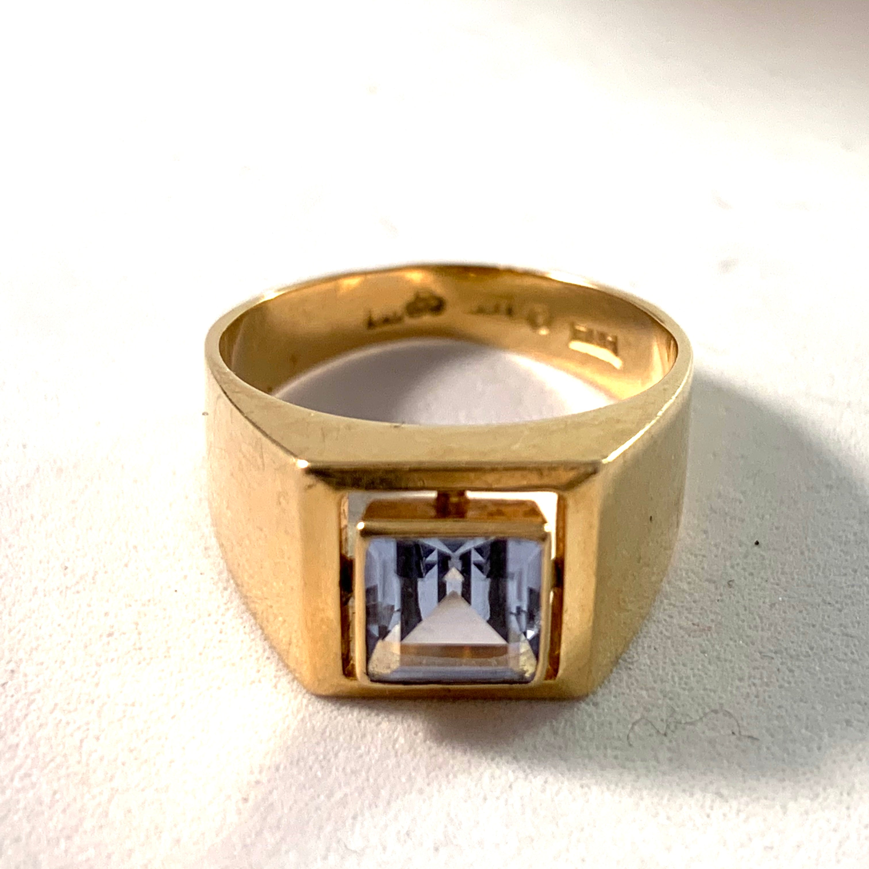 Mid Century 18k Gold Synthetic Spinel Ring.