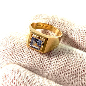 Guldvaruhuset, Stockholm Mid Century 18k Gold Synthetic Spinel Ring.