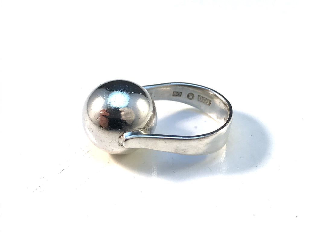 Isaac Cohen, Stockholm year 1964 Modernist Sterling Silver Ring. Signed