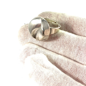 Alton, Sweden 1974. Modernist Sterling Silver Ring.
