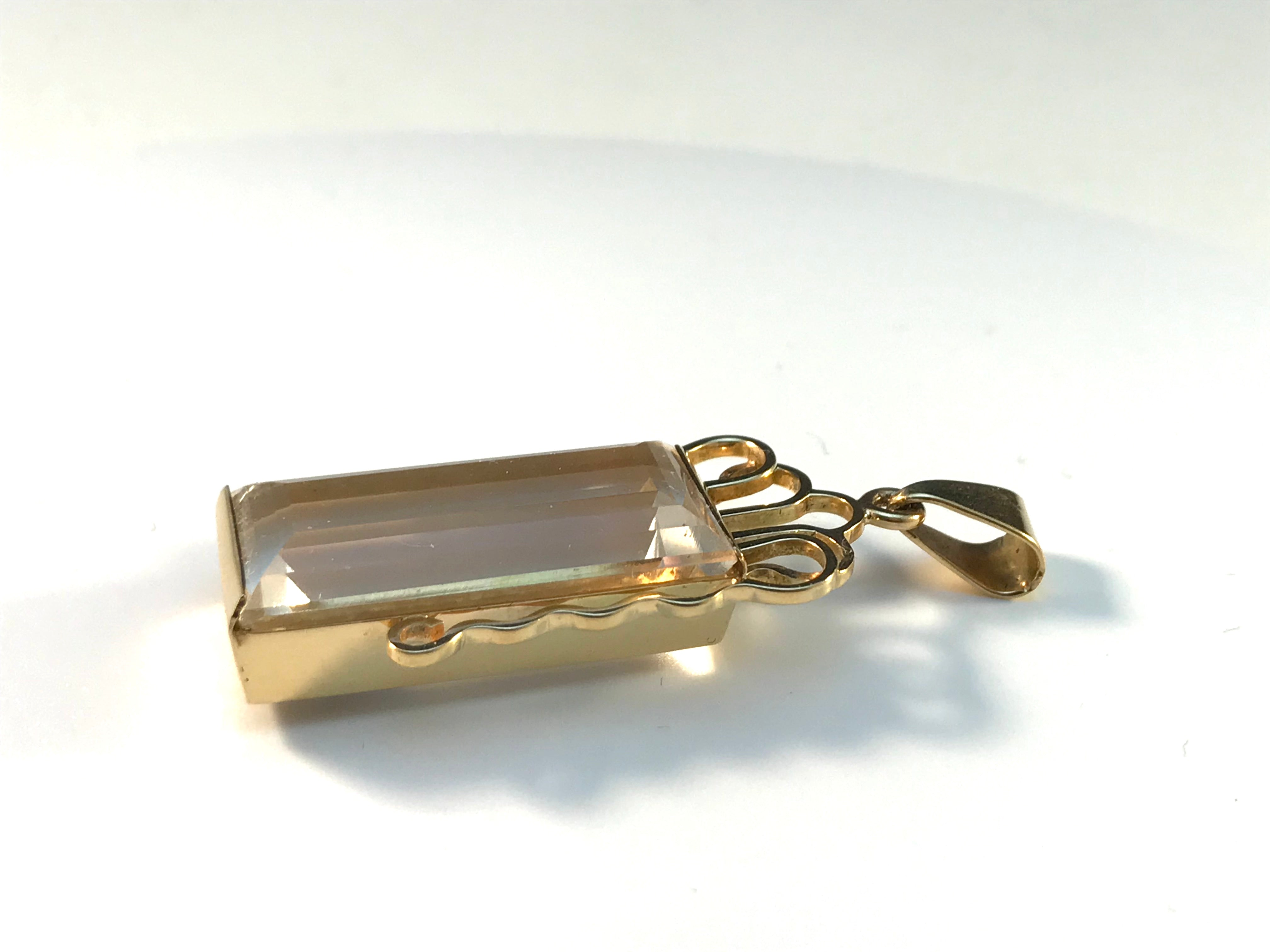 Olof Pettersson, Stockholm year 1977, 18k Gold Rock Crystal Pendant.