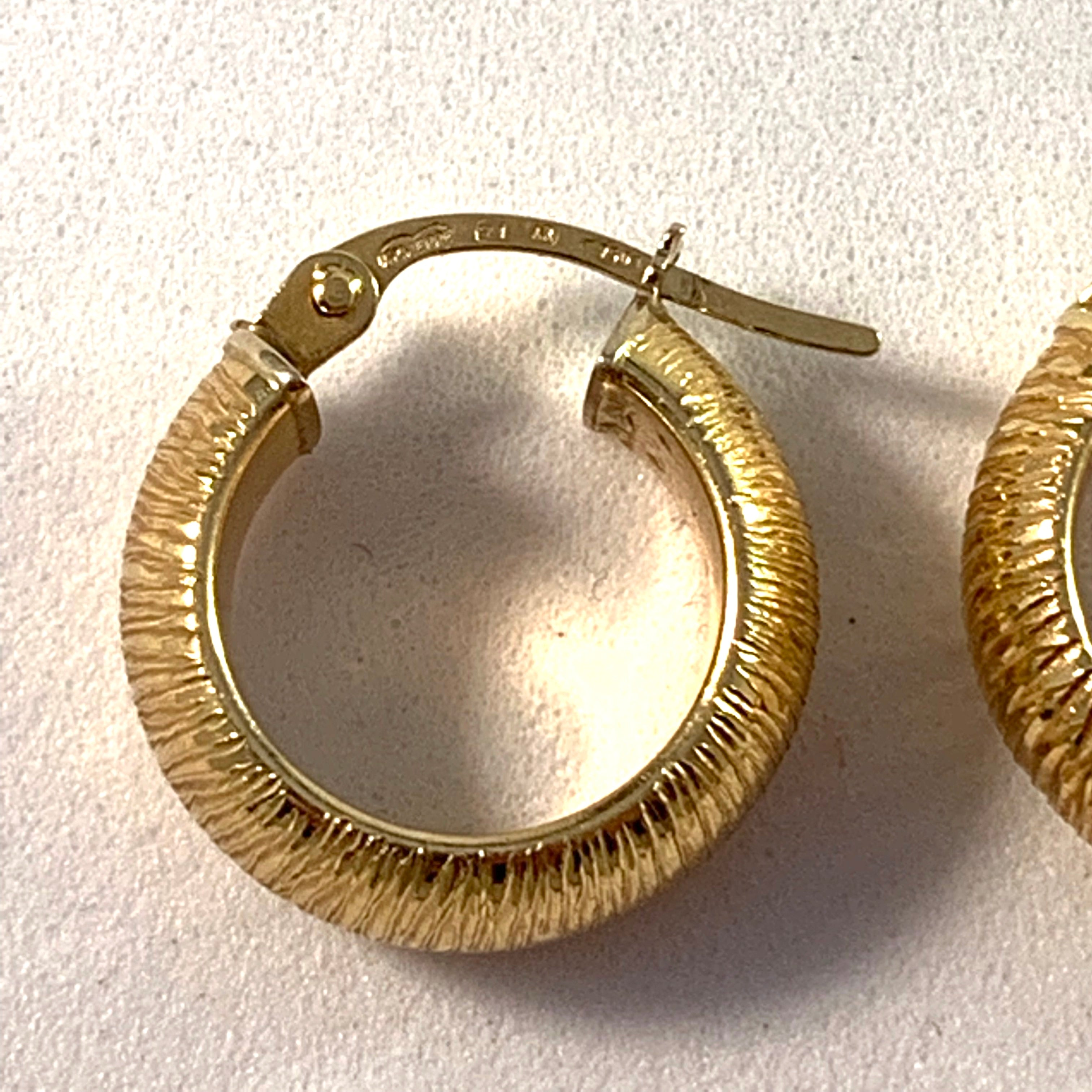 UNO A ERRE, Arezzo, Italy Vintage 18k Gold Huggie Earrings.