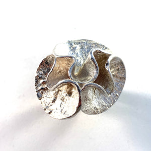 Theresia Hvorslev for Mema, Sweden 1974 Bold Sterling Water Lily Ring