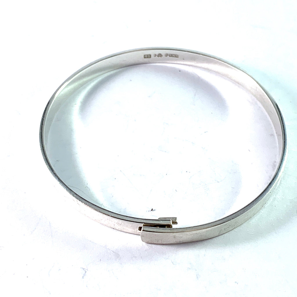 Arvo Saarela, Sweden 1969. Sterling Silver Bangle Bracelet.