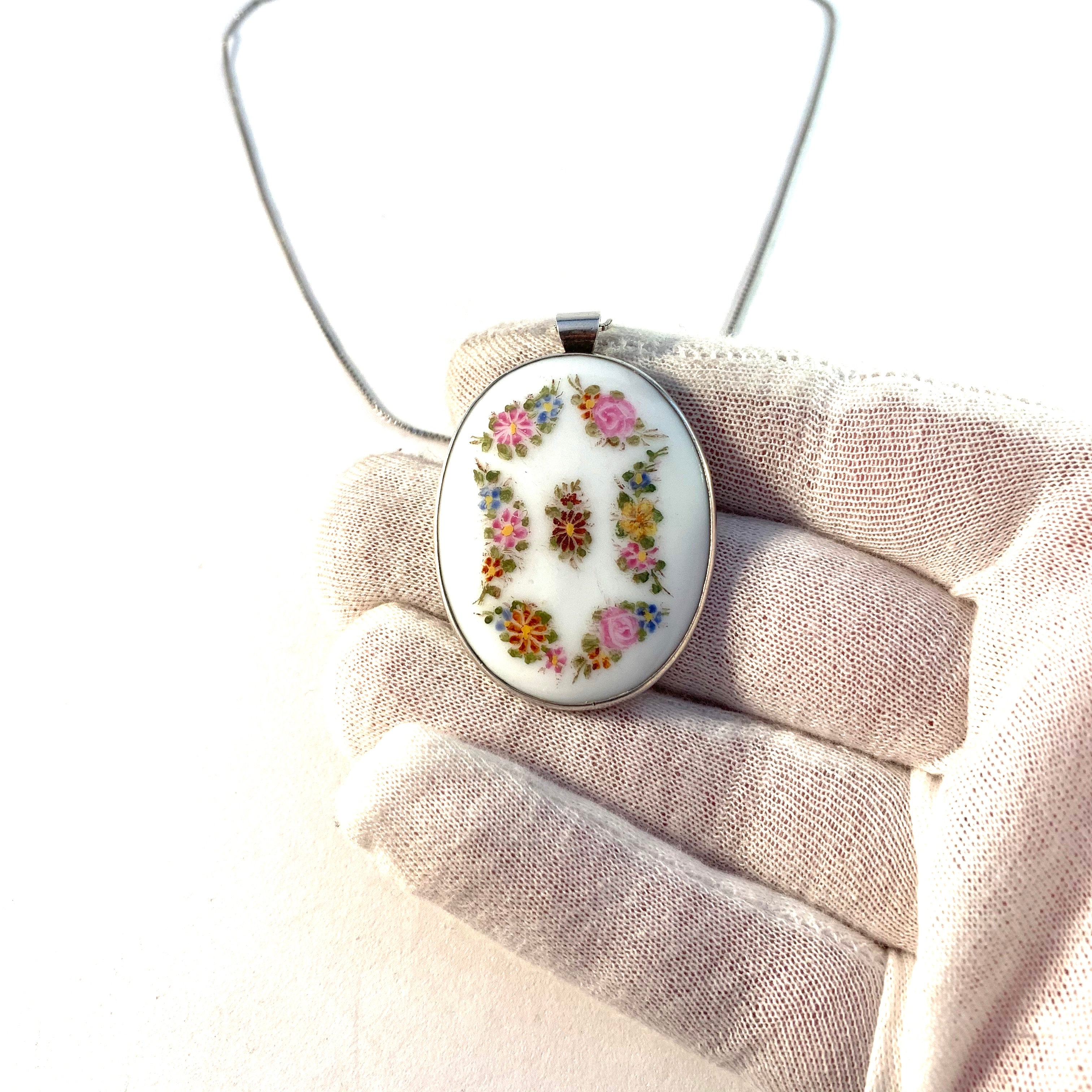 A Nilsson, father of Wiwen Nilsson, Sweden year 1916 Silver Painted Porcelain Pendant.