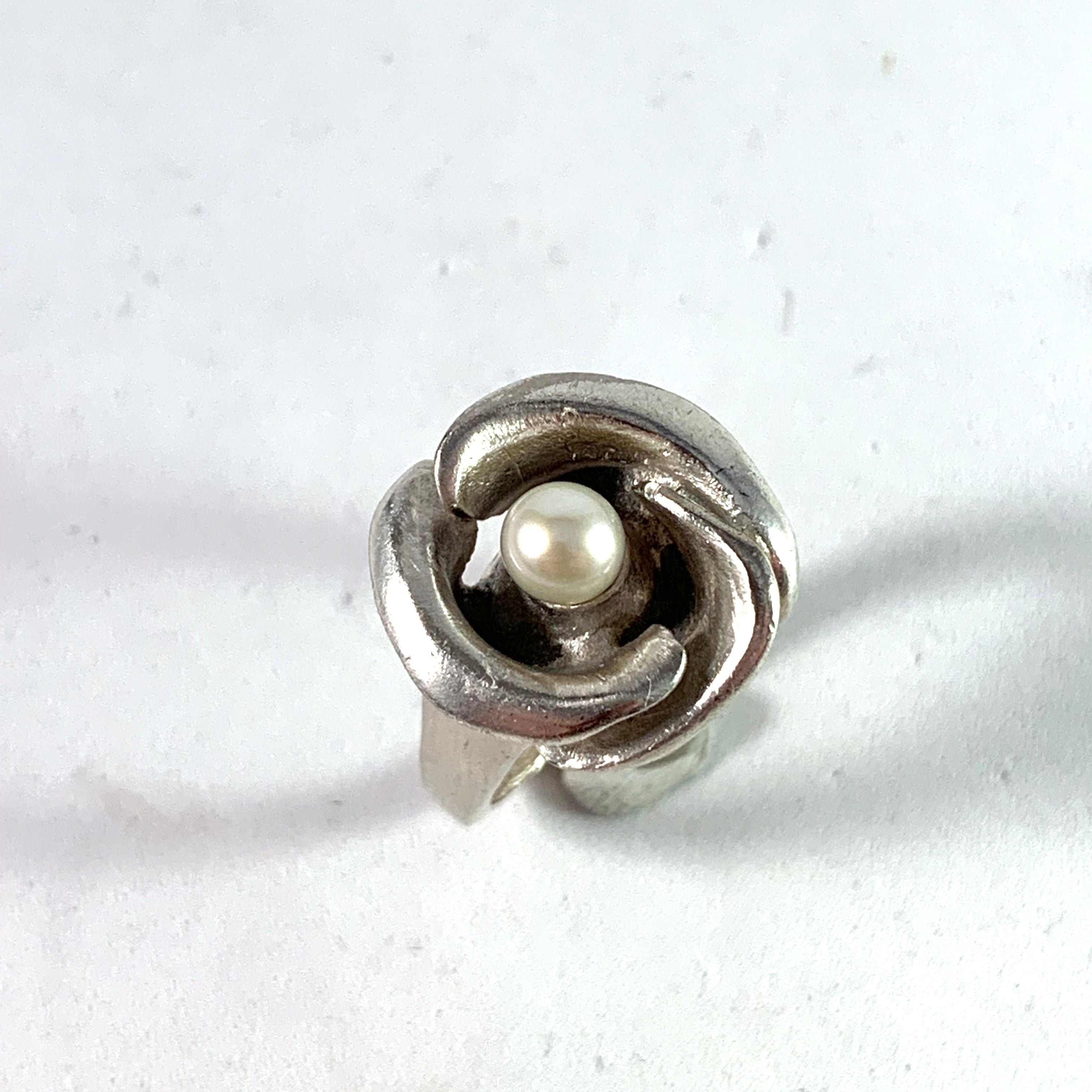 Robbert, Sweden 1970s Vintage Sterling Silver Culture Pearl Ring. Signed.