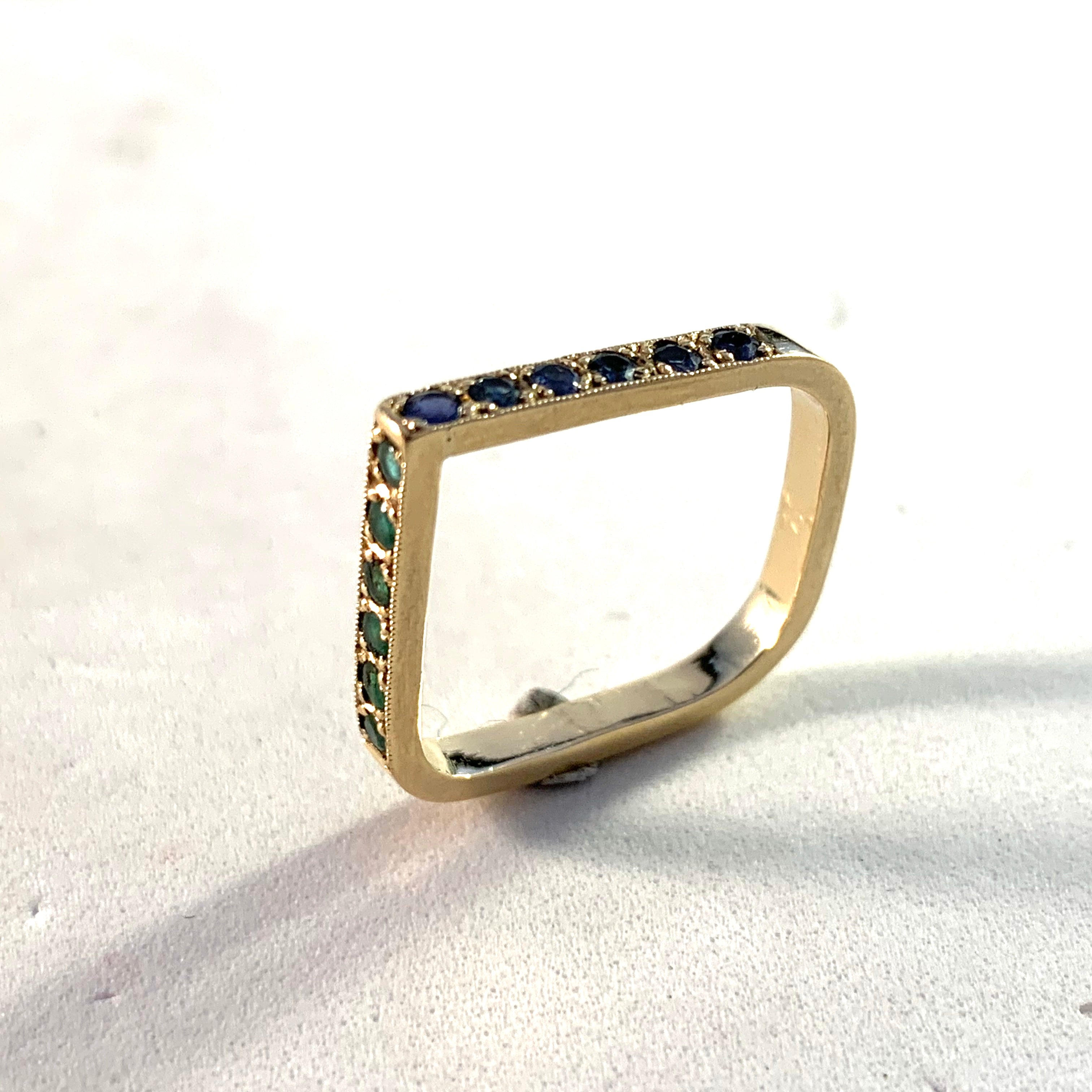 Vintage 14k Gold Emerald Sapphire Ring.