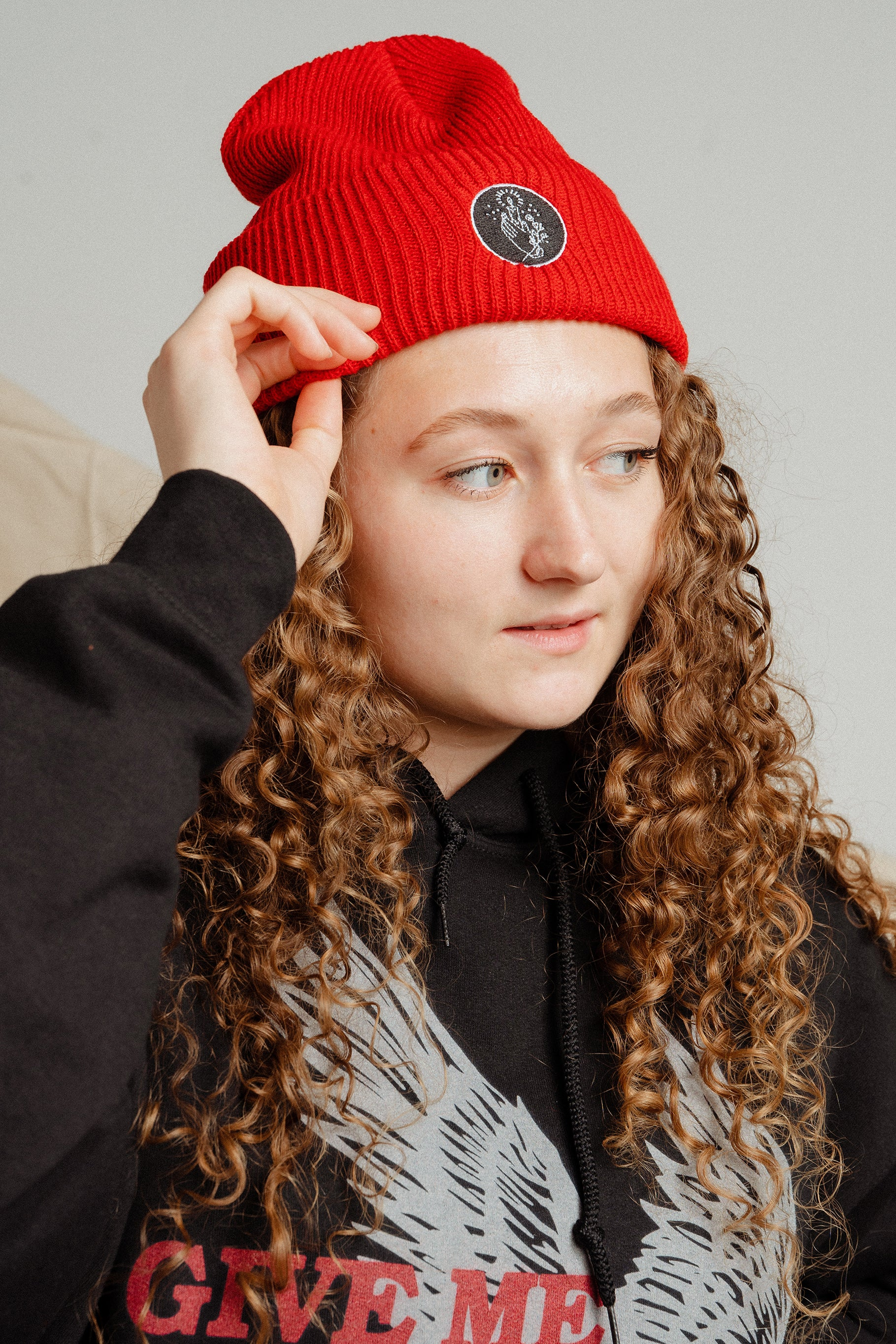 LIGHT OF LIFE RED BEANIE