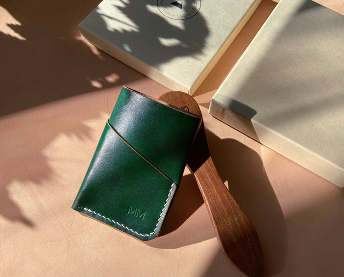 Hand-dyed Green leather wallet 3 pockets/ hand sewn