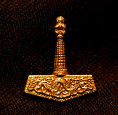 Thor's Hammer Pendant with Dogs of War - N-40