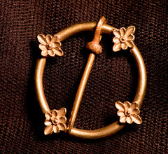 Annular Brooch with Flower Designs - R-27