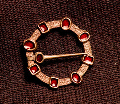 Annular brooch with Enamel - W55R