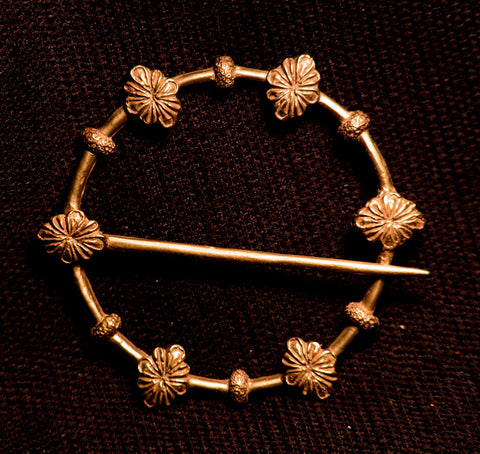 Leaves adorn this Annular Brooch - W-59