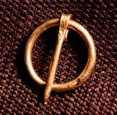 Simple Small Annular Brooch - W-71