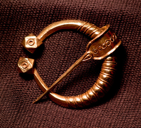 Viking pennanular brooch with large knobs - W-88