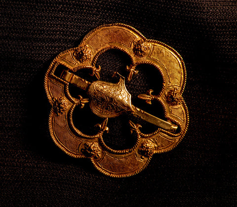 16th Century Round Brooch with fleur-de-lis - Y-32