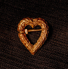 Heart Annular Brooch - Z-28