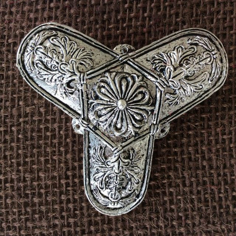 Silver Plate - Trefoil brooch, early with floral design - VB07